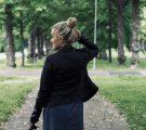 AURINKO PAISTAA, VETTÄ SATAA – JA SIINÄ VÄLISSÄ OTETAAN ASUKUVIA