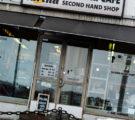 MATTI VS. NOORA : YSTÄVÄNPÄIVÄLAHJA KIRPPUTORILTA 5 EUROLLA